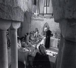 Amalfi, Chiostro del Convento dei Cappuccini, banchetto medievale (ricostruzione a cura di Ezio Falcone)