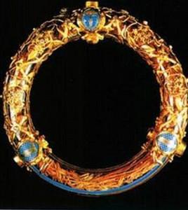 spine corona-notre-dame1