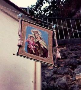 Alzata-del-quadro-della-Madonna-del-Carmine